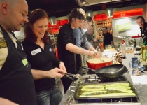 De Enerjoy voedingsdeskundige geeft uitleg over verschillende voedingsmiddelen