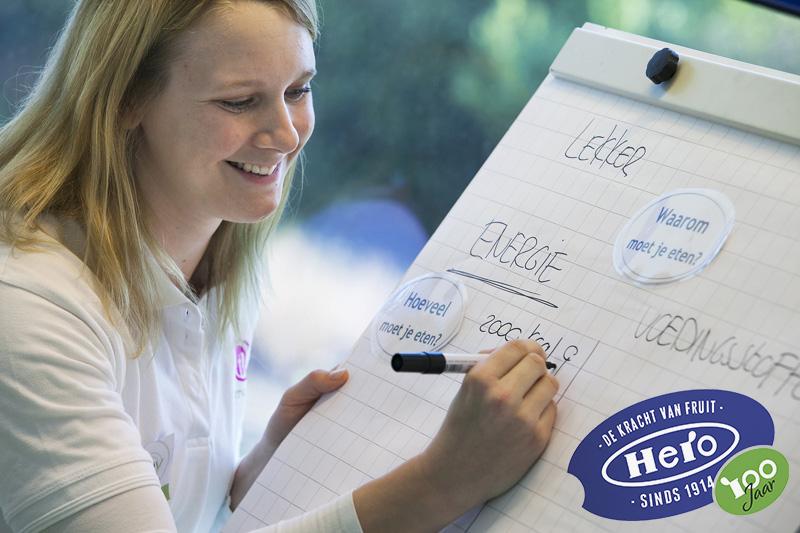 Lia Dekker tijdens workshop gezonde voeding bij Hero